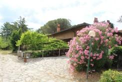 Rif. 105c – Casale di campagna con ampio giardino