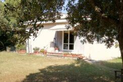 Rif. 303c – Casa indipendente con annesso e terreno a 2 km. da Magliano in Toscana